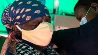 صورة الفيروس تحور في جسدها 32 مرة .. سيدة أفريقية تصاب بحالة نادرة من كورونا